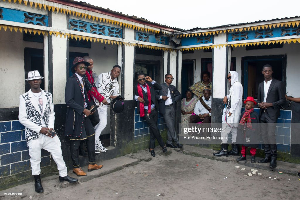 Sapeurs in Kinshasa Democratic Republic of Congo : News Photo