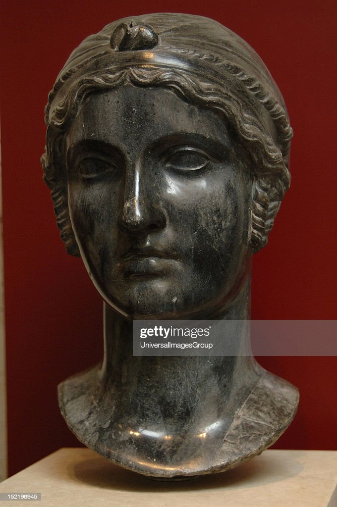 Sappho  : News Photo