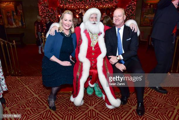 Sara Dodd Santa Claus and Will Denton attend George Farias Anne Jay McInerney Host A Holiday Party at The Doubles Club on December 13 2018 in New...