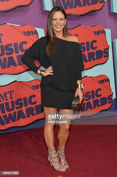 Sara Evans attends the 2014 CMT Music awards at the Bridgestone Arena on June 4 2014 in Nashville Tennessee