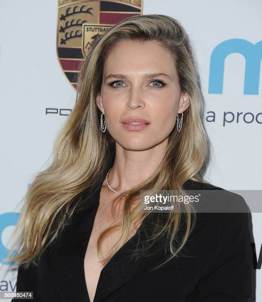 Sara Foster arrives at Goldie's Love In For Kids at Ron Burkle's Green Acres Estate on November 3, 2017 in Beverly Hills, California.