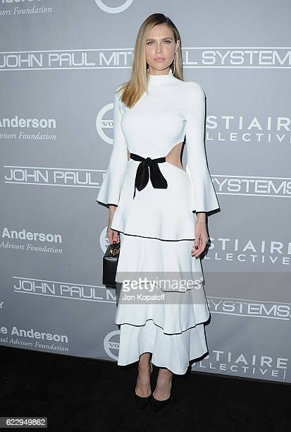 Sara Foster arrives at the 5th Annual Baby2Baby Gala at 3LABS on November 12, 2016 in Culver City, California.