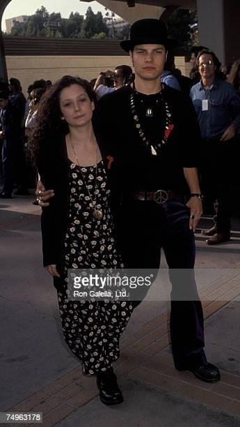 Sara Gilbert and Jay Ferguson