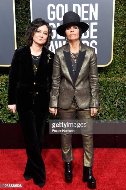 Sara Gilbert and Linda Perry attend the 76th Annual Golden Globe Awards at The Beverly Hilton Hotel on January 6 2019 in Beverly Hills California