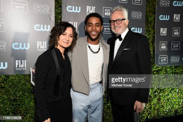 Sara Gilbert Jharrel Jerome and Bradley Whitford attend the 25th Annual Critics' Choice Awards at Barker Hangar on January 12 2020 in Santa Monica...
