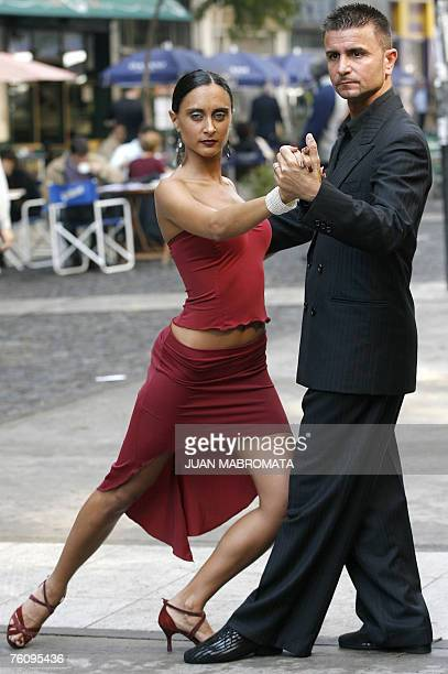 Sara Masi and Mauro Zompa, an Italian tango couple, dance in a Buenos Aires street, 14 August 2007. Between August 16th and 26th will be held the V...
