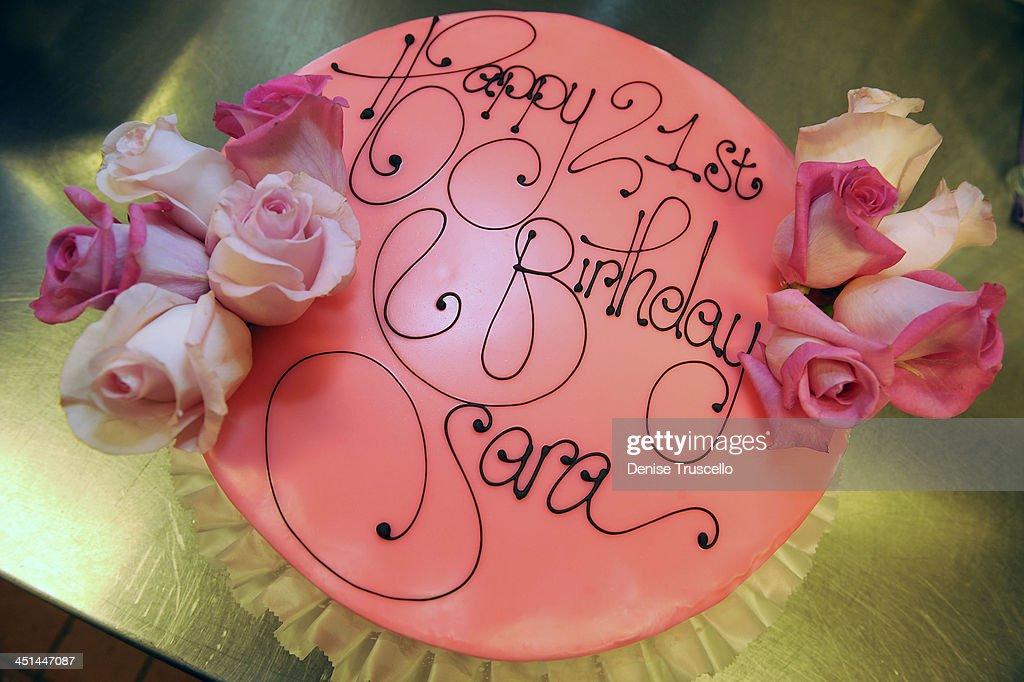 Sara Paxton 21st Birthday Cake At Prive Las Vegas In Planet