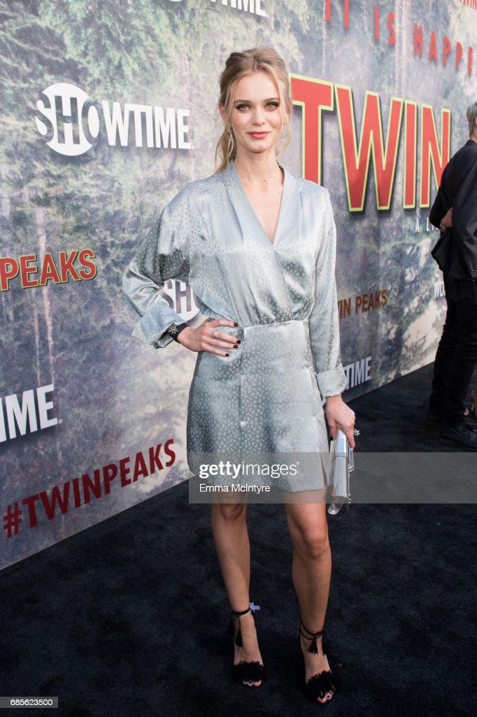 Sara Paxton attends the premiere of Showtime's 'Twin Peaks' at The Theatre at Ace Hotel on May 19, 2017 in Los Angeles, California.