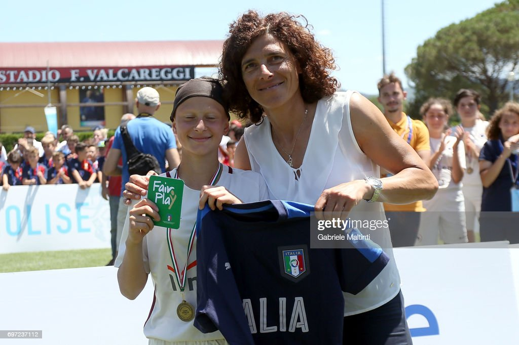 Sara Pezzi of AS Roma wins Green Card Fair Play and is rewarded by Rita Guarino manager of Italy Under 17 during the Danone Cup final at Coverciano on June 18, 2017 in Florence, Italy.