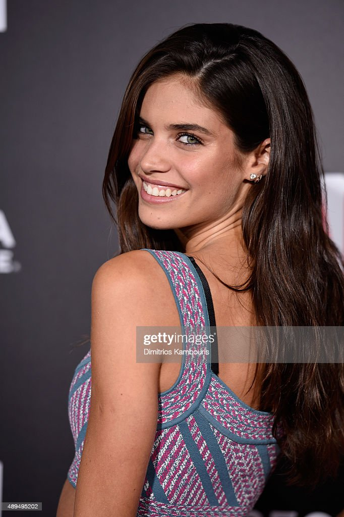 Sara Sampaio attends 'The Intern' New York Premiere at Ziegfeld Theater on September 21, 2015 in New York City.