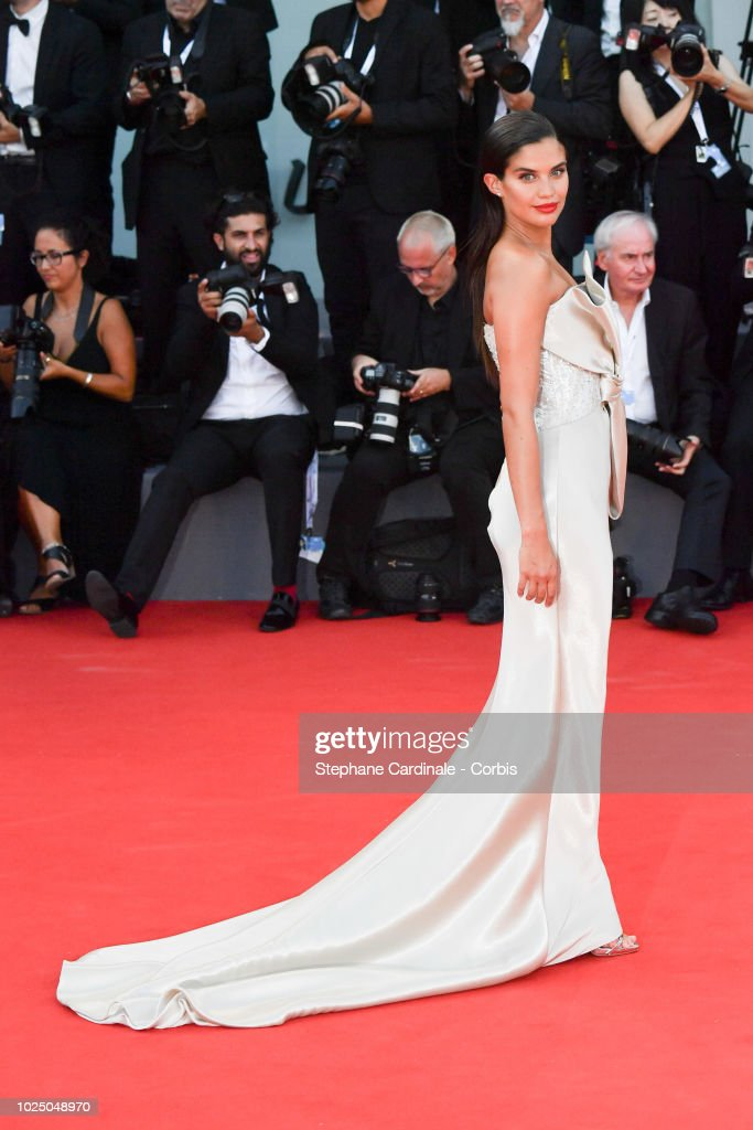 First Man Premiere, Opening Ceremony And Lifetime Achievement Award To Vanessa Redgrave Red Carpet Arrivals - 75th Venice Film Festival : News Photo