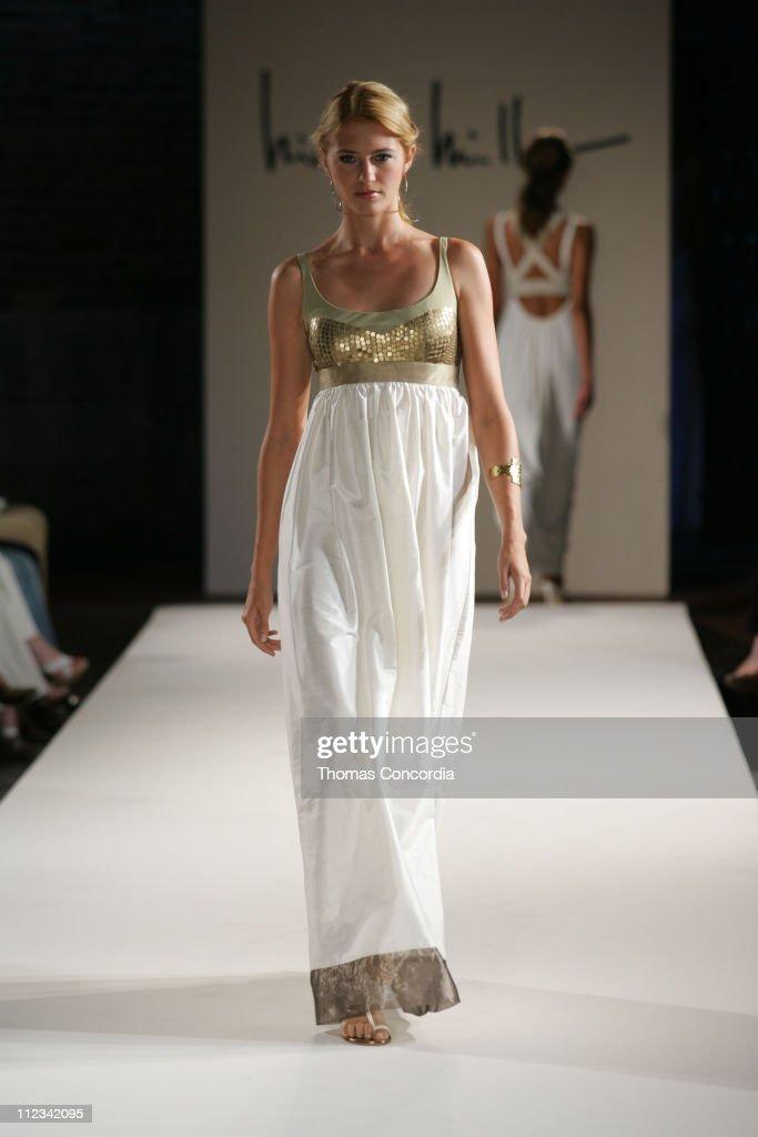Olympus Fashion Week Spring 2006 - Nicole Miller - Runway