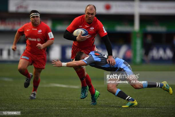 Saracens Ben Spencer Richard Wigglesworth and Cardiff Blues' Josh Navidi in action during the Heineken Champions Cup match at Cardiff Arms Park