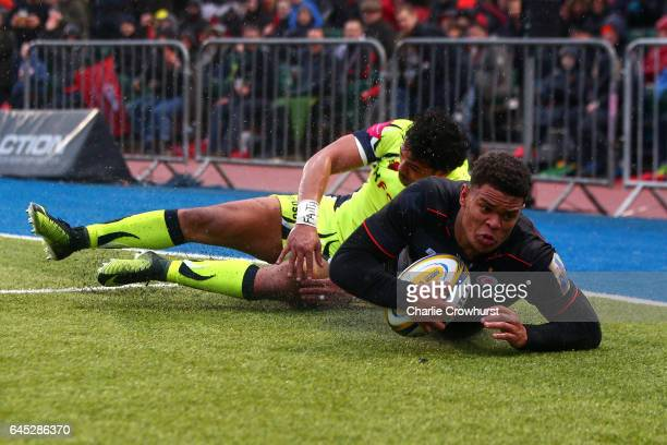 Saracens Nathan Earle goes over to score the teams third try during the Aviva Premiership match between Saracens and Sale Sharks at Allianz Park on...