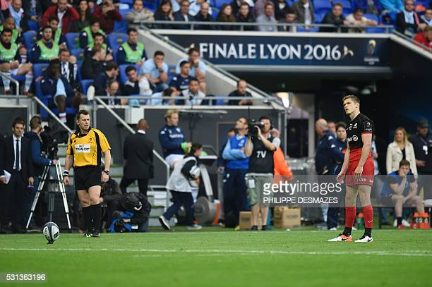 Saracens' Owen Farrell aims for the ball during the European Rugby Champions Cup match beetween Racing Metro 92 and Saracens FC at the Parc Olympique...