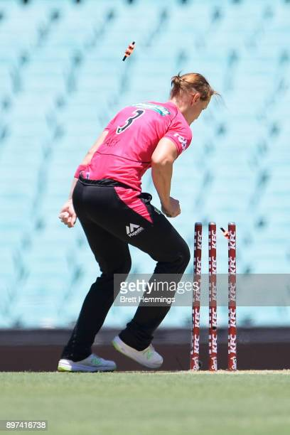 Sarah Aley of the Sixers runs out Hayley Matthews of the Hurricanes during the Women's Big Bash League match between the Sydney Sixers and the Hobart...
