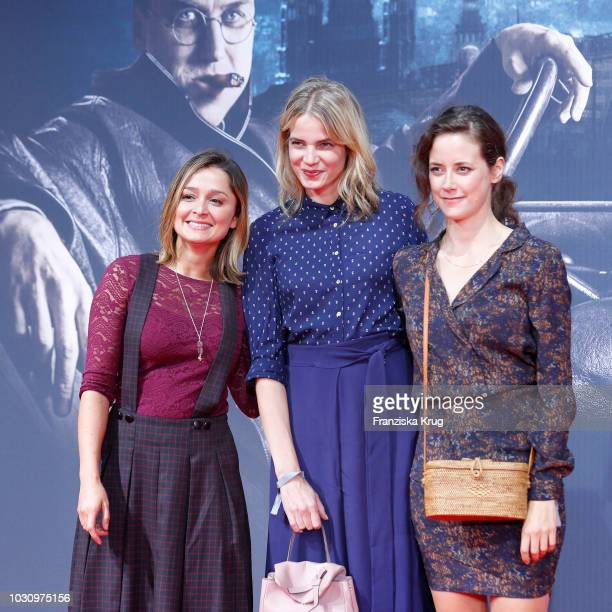 Sarah Alles Rike Schmid and Anja Knauer during the 'Mackie Messer Brechts Dreigroschenfilm' premiere at Zoo Palast on September 10 2018 in Berlin...