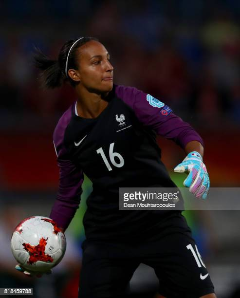 Sarah Bouhaddi goalkeeper of France throws the ball during the Group C match between France and Iceland during the UEFA Women's Euro 2017 at Koning...
