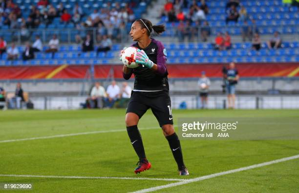 Sarah Bouhaddi of France Women during the UEFA Women's Euro 2017 match between France and Iceland at Koning Willem II Stadium on July 18 2017 in...