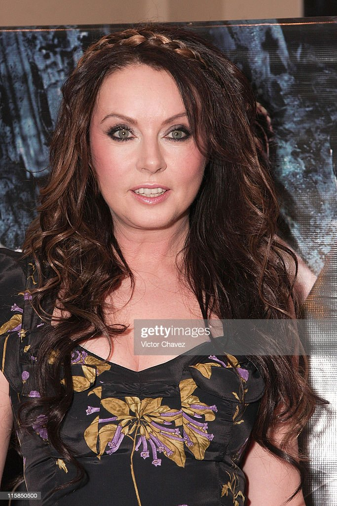 "Sarah Brightman Launches Her New CD ""Symphony"" in Mexico City"