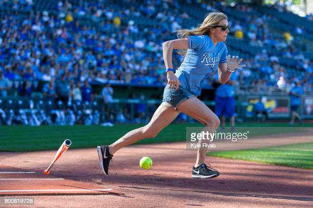 Sarah Chalke connects on a pitch and heads to first during the Big Slick Celebrity Weekend benefitting Children's Mercy Hospital of Kansas City on...