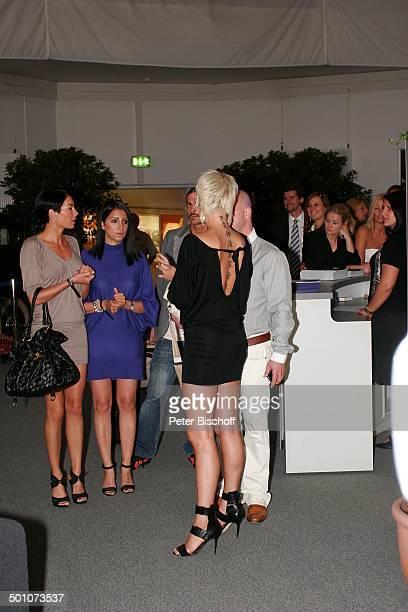 """Sarah Connor , Freundinnen, Gala-Nacht Halbfinaltag Tennis-Turnier 17. """"Gerry Weber Open"""", Halle , Nordrhein-Westfalen, Deutschland, Europa, feiern,..."""
