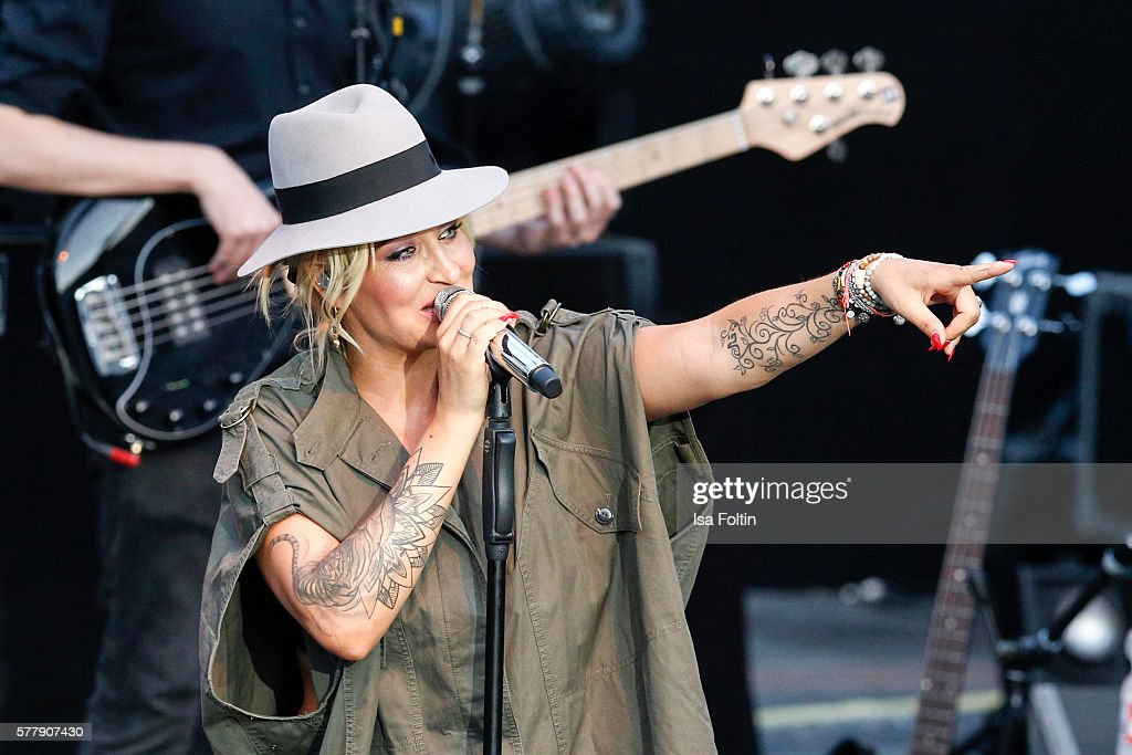 Sarah Connor In Concert - Thurn & Taxis Castle Festival 2016 : News Photo