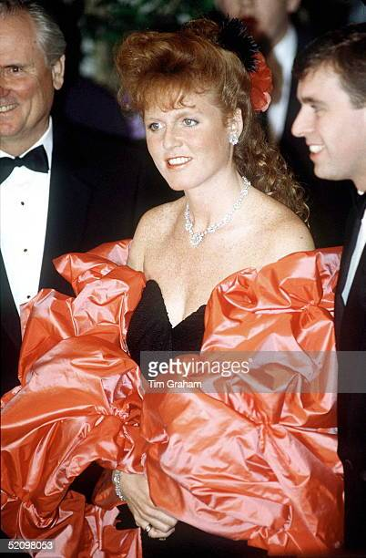 Sarah, Duchess Of York Attending A Gala Dinner, Los Angeles, USA Wearing A Satin Wrap With Her Black Evening Dress