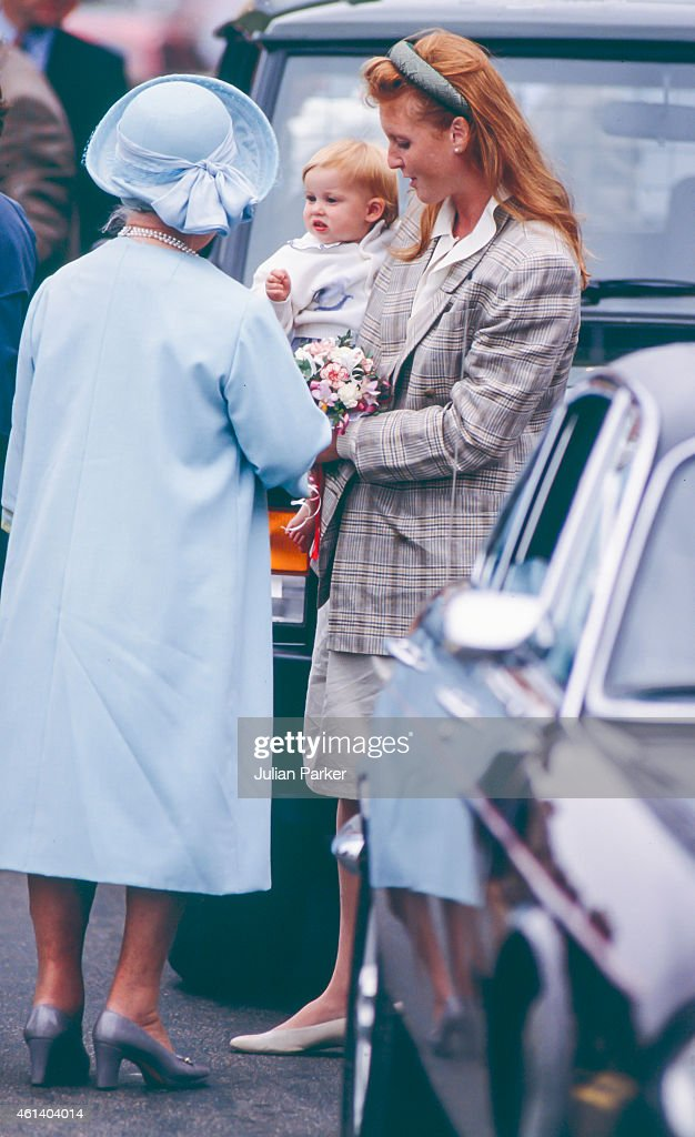 Sarah, Duchess of York, with Princess Beatrice visiting The Queen Mother, at The Castle of Mey : News Photo