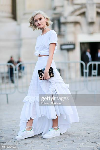 Sarah Ellen is seen outside the Barbara Bui show at Grand Palais during Paris Fashion Week Spring Summer 2017 on September 29 2016 in Paris France