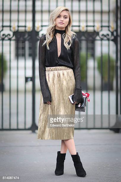 Sarah Ellen is wearing a Bec And Bridge top and RMK shoes after the Roland Mouret show during Paris Fashion Week Womenswear Fall Winter 2016/2017 on...