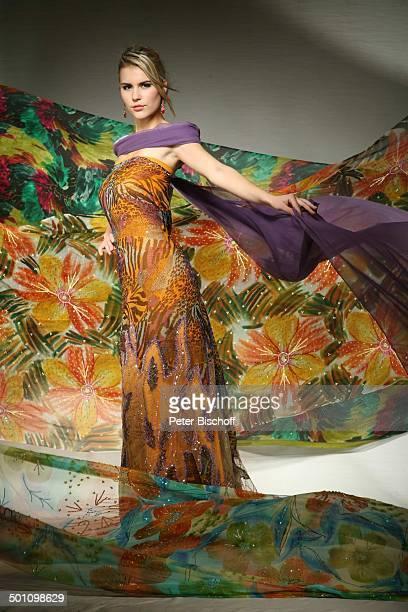 Sarah Elzanowski , Kuala Lumpur, Malaysia, Asien, Kleid, Designerkleid, Wettbewerb, Model, Schönheit, Schönheitskönigin Promi, BB, FTP; P.-Nr.:...