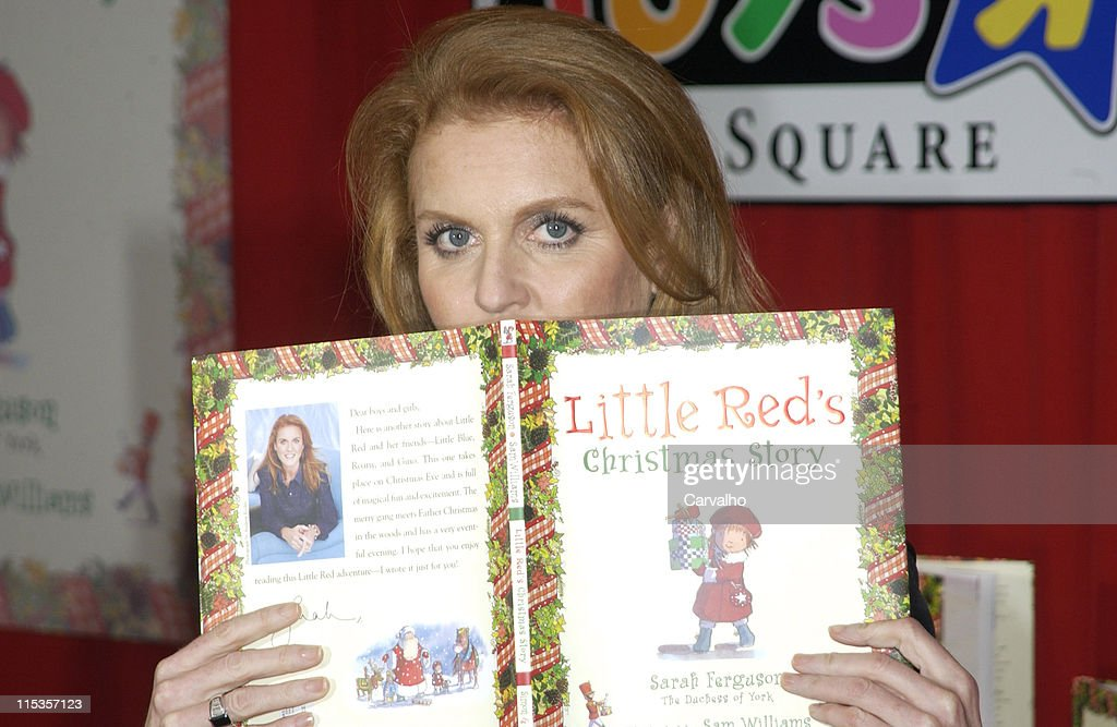 "Sarah Ferguson, Duchess of York, Signs Her New Book ""Little Red's Christmas"" : News Photo"
