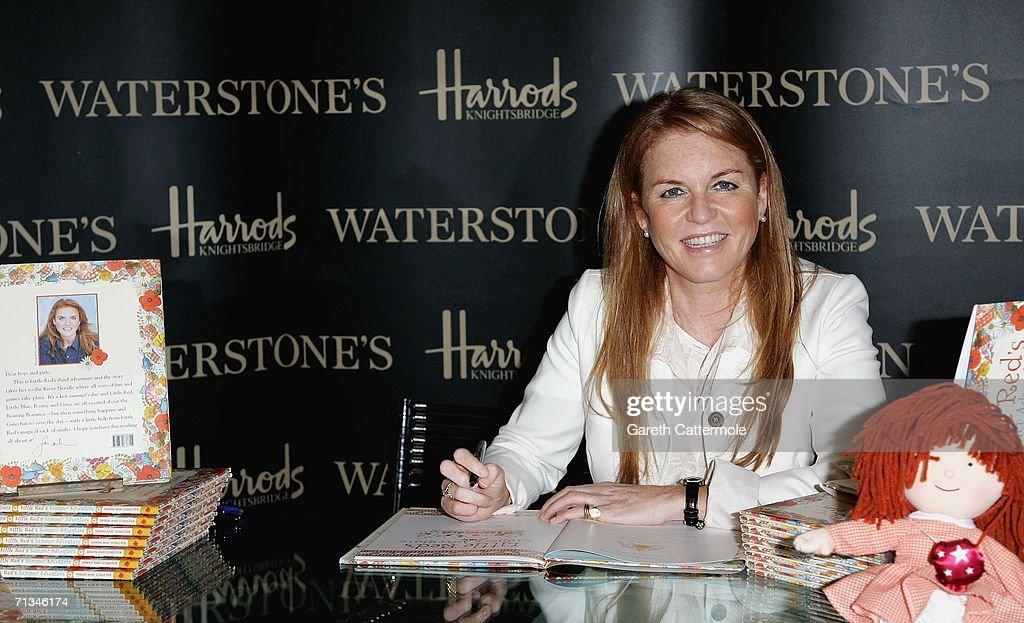 Sarah Ferguson - New Childrens Book Signing : News Photo