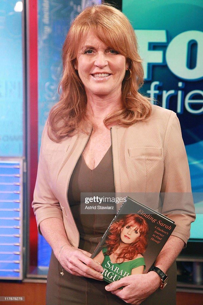 "Sarah Ferguson Visits ""FOX & Friends"" : News Photo"