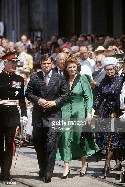Sarah Ferguson With Prince Andrew In Southampton For The Naming Of The 'lord Nelson' With Them Is The Lord Lieutenant Of The County
