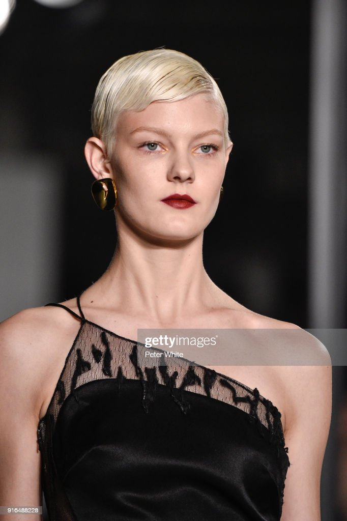 Sarah Fraser walks the ruway at Cushnie Et Ochs Fashion Show during New York Fashion Week at Pier 17 on February 9, 2018 in New York City.