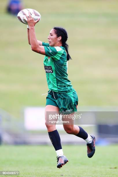 Sarah Goss of Manawatu makes a break during the Bayleys National Sevens match between Manawatu and Wellington at Rotorua International Stadium on...