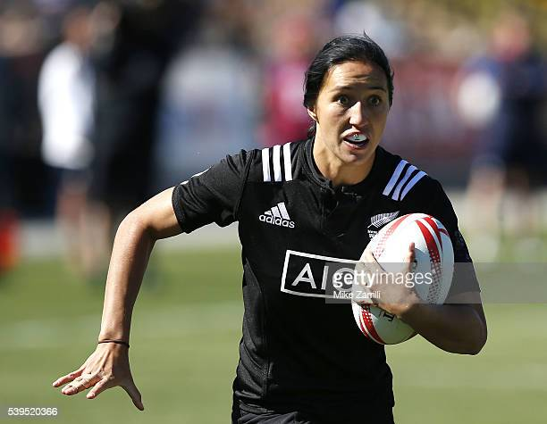 Sarah Goss of New Zealand runs with the ball during the match against England at Fifth Third Bank Stadium on April 9, 2016 in Kennesaw, Georgia.