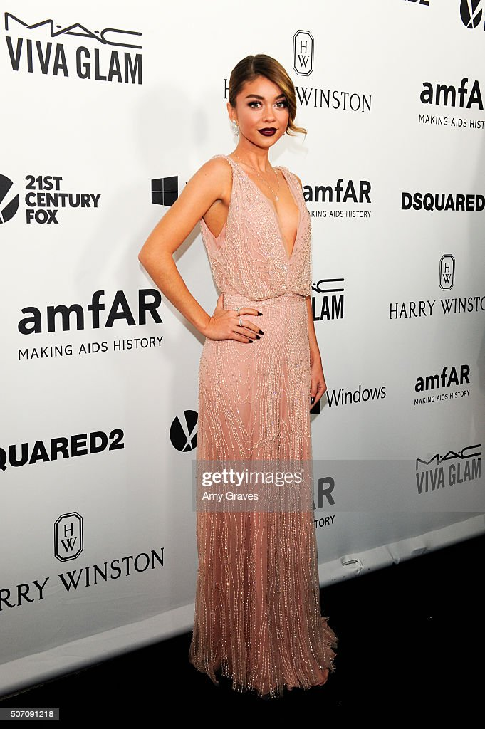 Sarah Hyland attends amfAR's Inspiration Gala in Los Angeles on September 9, 2015 in Hollywood, California.