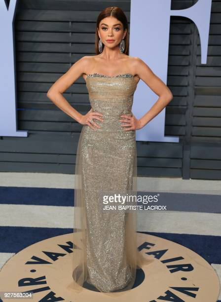 Sarah Hyland attends the 2018 Vanity Fair Oscar Party following the 90th Academy Awards at The Wallis Annenberg Center for the Performing Arts in...