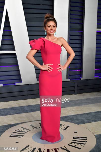 Sarah Hyland attends the 2019 Vanity Fair Oscar Party hosted by Radhika Jones at Wallis Annenberg Center for the Performing Arts on February 24, 2019...