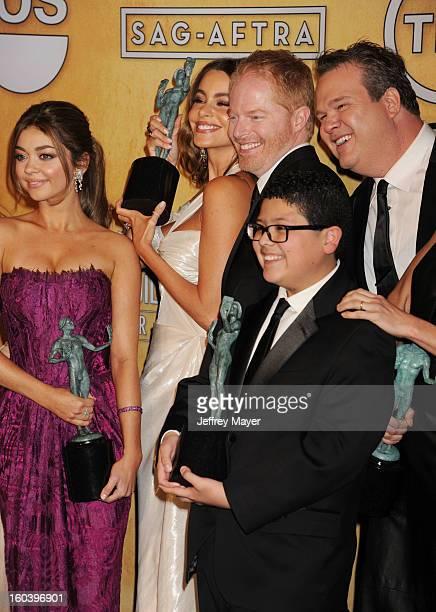 Sarah Hyland Sofia Vergara Jesse Tyler Ferguson Eric Stonestreet and Rico Rodriguez pose at the 19th Annual Screen Actors Guild Awards at The Shrine...