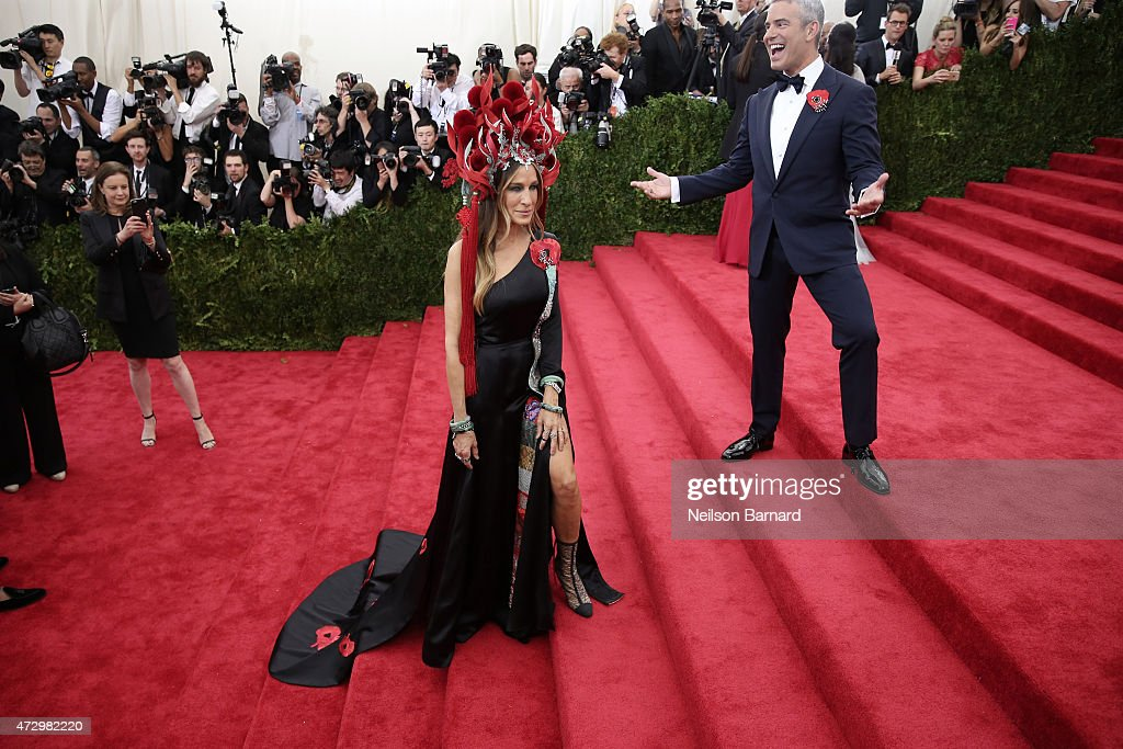 Sarah Jessica Parker and Andy Cohen attend the 'China: Through The Looking Glass' Costume Institute Benefit Gala at the Metropolitan Museum of Art on May 4, 2015 in New York City.