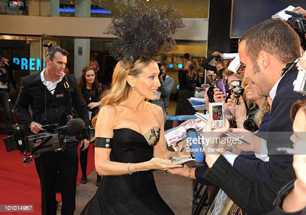 Sarah Jessica Parker arrives at the UK film premiere of 'Sex and the City 2' at Odeon Leicester Square on May 27 2010 in London England