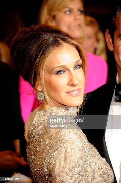 Sarah Jessica Parker attends the 'Alexander McQueen Savage Beauty' Costume Institute Gala at The Metropolitan Museum of Art on May 2 2011 in New York...