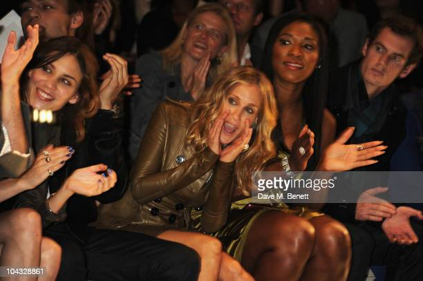 Sarah Jessica Parker attends the Burberry Prorsum Spring/Summer 2011 fashion show during LFW at Chelsea College of Art and Design on September 21...
