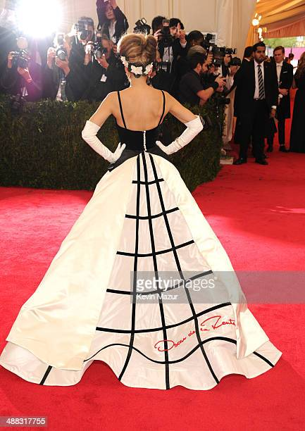 """Sarah Jessica Parker attends the """"Charles James: Beyond Fashion"""" Costume Institute Gala at the Metropolitan Museum of Art on May 5, 2014 in New York..."""