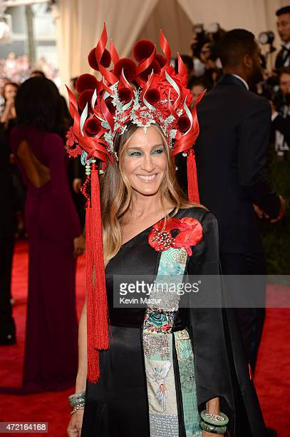 Sarah Jessica Parker attends the China Through The Looking Glass Costume Institute Benefit Gala at Metropolitan Museum of Art on May 4 2015 in New...