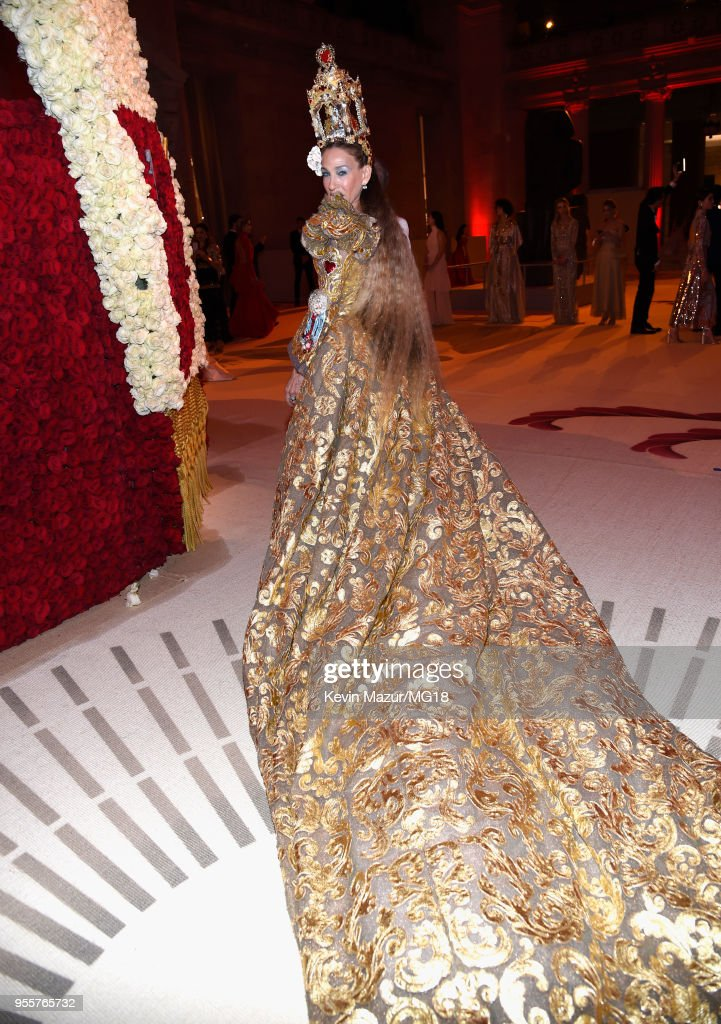 Sarah Jessica Parker attends the Heavenly Bodies: Fashion & The Catholic Imagination Costume Institute Gala at The Metropolitan Museum of Art on May 7, 2018 in New York City.